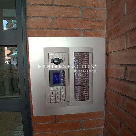 instaladores de videoporteros en comunidades de vecinos, en BARCELONA y alrededores instalamos cámaras de videovigilancia en vestíbulos y escaleras, también montamos puertas de entrada de edificios con llaves de seguridad y porteros electrónicos …