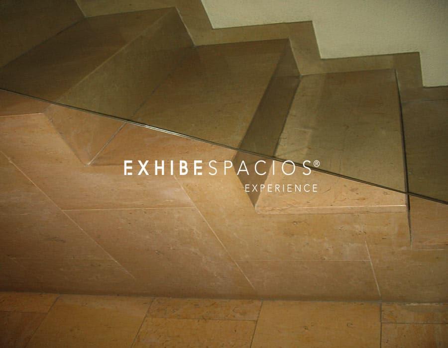 Reformas de ESCALONES en escaleras comunidad de vecinos en Barcelona, by EXHIBESPACIOS