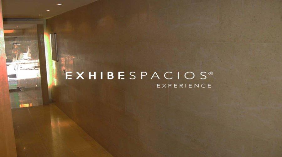 Vestíbulo LES CORTS, mármol en estrada de comunidad de vecinos en Barcelona y portal