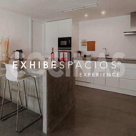 reformas de cocinas en Barcelona GRACIA grandes y pequeñas. americana, de diseño moderno