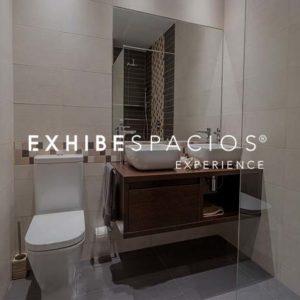 REFORMAS BAÑOS DE DISEÑO MODERNO EN BARCELONA reformas de baños en Barcelona y aseos, de diseño REFORMAS BAÑOS DE DISEÑO MODERNO EN BARCELONA reformas de baños en Barcelona y aseos, de diseño moderno, grandes y pequeños, cuarto de baño de cortesía en pisos y viviendas blanco