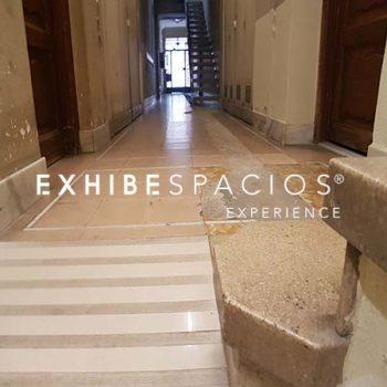 presupuesto de reforma de comunidad en vestíbulo de reparar humedades por capilaridad del portal, de pintura y reforma de escalera en Barcelona