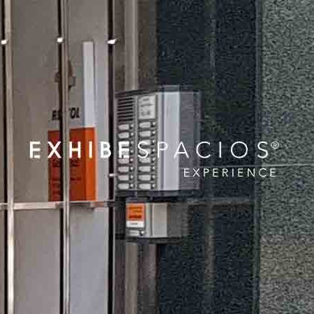 presupuesto de cambiar portero automático comunidad de vecinos en Barcelona mover placa interfono de sitio y añadir nueva placa en la segunda puerta sustituir
