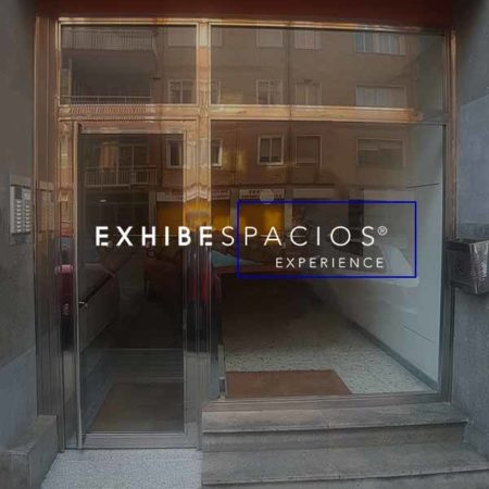 presupuesto sustituir puerta de entrada en vestíbulo de comunidad en Barcelona hierro y acero inoxidable