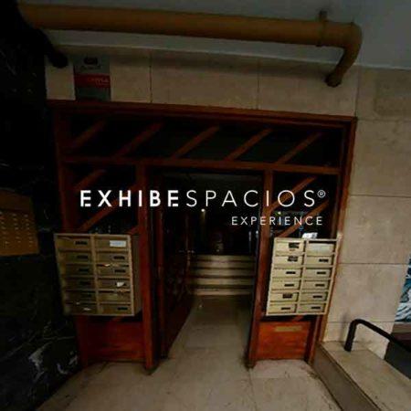 presupuesto sustituir puerta de entrada en vestíbulo de comunidad en Barcelona de madera por hierro