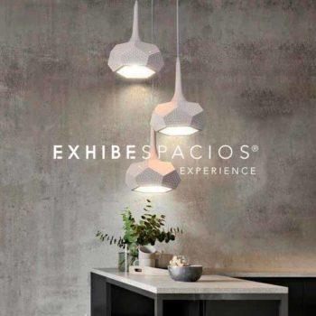 pintura efecto envejecido y decoración de vestíbulo y escalera comunitaria en Barcelona lamparas LED